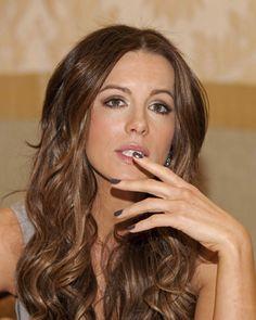 Kate Beckinsale - hair and nails.
