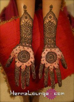 Janaki's mehndi with mandala in palms by HennaLounge, via Flickr