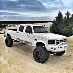 Shoebox Gallery: Shared Dec 17, 2018 Big Ford Trucks, Classic Ford Trucks, 4x4 Trucks, Custom Trucks, Cool Trucks, Lifted Trucks, Lifted Dually, Ford Diesel, Diesel Trucks