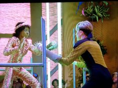 HD remaster or not, some of these #StarTrek TNG episodes still look rough #Netflix s01e03