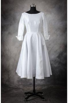 PLUS SIZE Chic A Line Bateau Ruche Long Sleeves Tea Length Wedding Dress.... I LOVE THIS DRESS!!!
