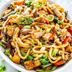 Chicken Ramen Stir Fry - Jo Cooks Oven Baked Chicken Thighs, Chicken Thigh Recipes, Drunken Noodles, Udon Noodles, Baked Parmesan Tomatoes, Coconut Curry Chicken, Lemon Chicken, Pork Chops And Potatoes, Jo Cooks