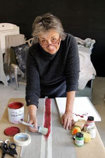 Annie Sloan is perhaps the world's most respected expert in decorative paint, colours and techniques. She has written over 20 books on the subject and developed her own range of decorative paint called Chalk Paint® in Chalk Paint Fabric, Chalk Paint Colors, Chalk Paint Projects, Chalk Paint Furniture, Fabric Painting, House Painting, Paint Ideas, Diy Projects, Annie Sloan Paint Colors