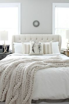 Love this winter white farmhouse style bedroom refresh! Find affordable ideas…