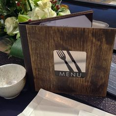 We specialize in best designer menu cover, custom leather menu covers, tabletop products, tablecloths, & accessories for Luxury Hotels and Restaurant supplies. Menu Resto, Display Folder, Check Presenter, Wood Menu, Folder Holder, Menu Covers, New Year Images, Coffee Menu, Menu Design