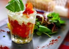 Verrine courgette tomate et fromage au pesto