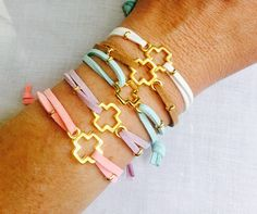 Primera comunión favores p 25 Muchacha muchacho bautismo Ideas Para Fiestas, First Holy Communion, Samara, Diy Jewelry, Favors, Baby Shower, Leather, Gifts, Leather Bracelets