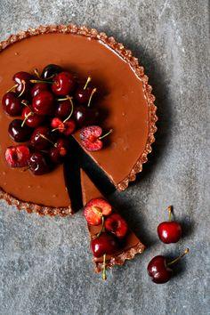 Cherry Chocolate Tart (grain-free & vegan) - Nirvana Cakery