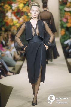 #YvesSaintLaurent, Automne-Hiver 1999, Haute Couture #Mode #lamodevintage http://www.la-mode-vintage.com/