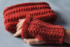Free Ravelry: Hairpin Lace Scarf and Fingerless Gloves pattern by Susanne W.