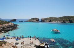 Playas en Malta, Golden Bay (Ghajn Tuffieha)  Viajero Turismo   http://go.shr.lc/25MLJsc una de sus playas más conocidas y valoradas #viajes