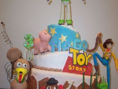 The cake was covered with foundant ,the figurines were made in gum paste