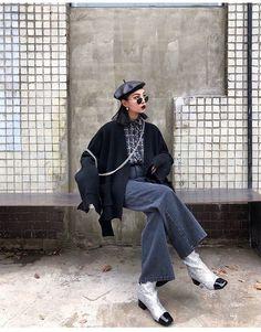Korean Fashion – How to Dress up Korean Style – Designer Fashion Tips Asian Street Style, Korean Street Fashion, Asian Fashion, Look Fashion, Girl Fashion, Fashion Outfits, Womens Fashion, Fashion Design, Korean Style