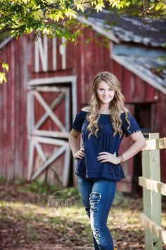 Fall Senior Session with Marcella Worked with Marcella for her senior session at her family's gorgeous old red barn Senior Portraits Girl, Senior Photos Girls, Senior Girl Poses, Senior Girls, Senior Session, Senior Posing, Girl Photos, Senior Photo Shoots, Male Portraits