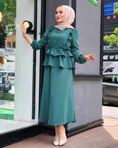 Muslim Fashion, Hijab Fashion, Fashion Dresses, Muslim Dress, Hijab Dress, Casual Dresses, Casual Outfits, Mode Abaya, Modele Hijab