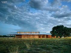 thumbs_43995-exterior-betty-clint-josey-pavilion-lake-flato-architects-1214.jpg.770x0_q95.jpg (770×577)