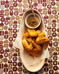 These chicken wings use corn tortilla chips as breading. Oven Roasted Chicken Wings, Glazed Chicken, Breaded Chicken, Lime Chicken, Fried Chicken, Martha Stewart Recipes, Chicken Wing Recipes, Game Day Food, Carne