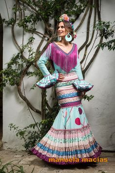 See related links to what you are looking for. Unique Dresses, Vintage Dresses, Vintage Outfits, Flamenco Dancers, Flamenco Dresses, Spanish Dress, Spanish Fashion, Butterfly Dress, Collar Designs