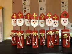 Christmas Time, Christmas Crafts, St Nicholas Day, Diy And Crafts, Crafts For Kids, Classroom Crafts, Art For Kids, Holiday Decor, Saint Nicholas