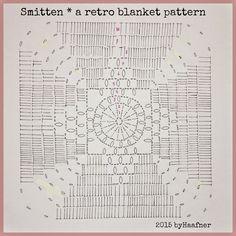 ByHaafner * crochet Muster zum Photo von eben mit Häkeldecke auf Boden und kleine weiße Decke auf Knien