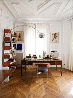 HOME & GARDEN: 75 inspirations pour décorer un appartement haussmannien Small Office Design, Home Office Design, Home Office Decor, House Design, Office Ideas, Decor Interior Design, Furniture Design, Interior Decorating, Diy Interior