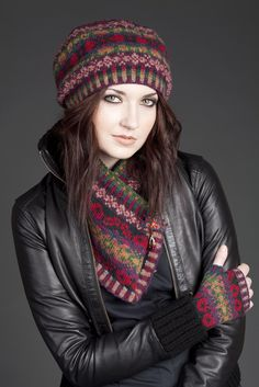 Maud - VirtualYarns.com - love this... particularly the fingerless mittens