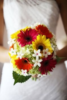 Gerber Daisys and Hydrangea Wedding Bouquet !! some of my favorite flowers.