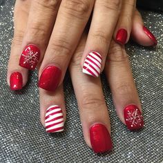 Inspiring 21 Holiday Nail Art Ideas You've Never Seen https://fashiotopia.com/2017/11/25/21-holiday-nail-art-ideas-youve-never-seen/ When you can't paint information, it is possible to always utilize embellishments to fill your nails and construct an excellent design. Glitter adds a little bit more fun to this traditional look.