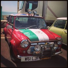 The awesome mini Richard Hammond took to India and ruined! On Topgear!