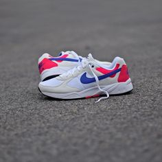 Nike Air Icarus WhiteCherry.  Collection Summer 2016.  Disponible sur SNKRS.  Available on SNKRS.COM.  #igsneakers #igsneakercommunity #instakicks #kickstagram #nikeairicarus #airicarus #nikeicarus #nike #airmax #wdyw #wdywt #ootd #rare_footage #instashoes #todayskicks #soleonfire #snkrs #sneakers by snkrs