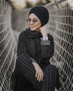 Cute Boys Images, Boy Images, Girly Drawings, Turban Style, Hijab Dress, Head Wraps, Hijab Fashion, Goth, Cute Outfits