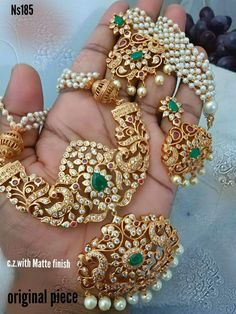How To Clean Gold Jewelry With Vinegar Refferal: 1847899251 Pearl Necklace Designs, Jewelry Design Earrings, Gold Earrings Designs, Gold Jewellery Design, Beaded Jewelry, Wedding Jewelry, Jewelry Rings, Jewelery, Silver Jewellery Indian