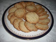 Home Baked Sugar Cookies http://recipemarketing.blogspot.com/2012/12/home-baked-sugar-cookies.html #Whole-Wheat #Sugar-Cookies #Cookies #Recipes #Recipe #Bake #Baking #Amazon