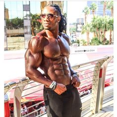 Pin for Later: The Hottest Male Personal Trainers to Follow on Instagram Ulisses Williams Jr. Powerhouse Ulisses Williams Jr. is a celebrity trainer, professional bodybuilding champion, and international fitness model.