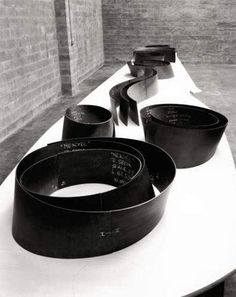 Richard Serra A maquette....... Mmmmm want it!!!
