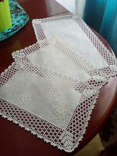 Photo from album Crochet Square Patterns, Crochet Borders, Knitting Patterns, Burlap Tablecloth, Crochet Tablecloth, Crochet Dollies, Crochet Flowers, Boho Home, Purl Stitch