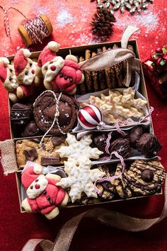 How To Create the Best Holiday Cookie Box | halfbakedharvest.com @hbharvest