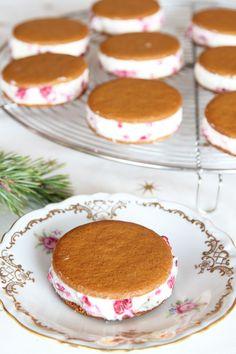 Pepparkaksglass med vit choklad & hallon – Lindas Bakskola