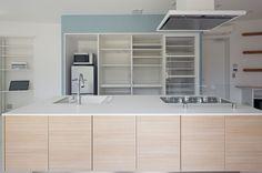 Kitechen Interior Design Fluid Bio & nachhaltige Vermögenswerte Featured In ein japanisches Home von Hideo Kumaki Büro Architekten