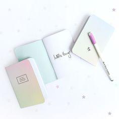 Pocket magic!! // Nuestro nuevo trio de agenditas es perfecto para que nunca olvides tus planes!  Encuéntralas en www.toystyle.co LINK en BIO #toystyle #new #pocketnotebook #scoolsback #colorful #aurora #rainbow #stationery #magic #keepshining #flatlay