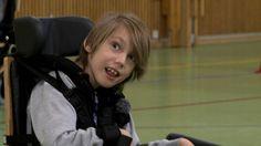 Norsk barne-tv program om en gutt med CP som bruker symbolspråk.