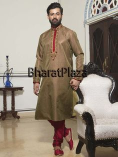 Appealing outfit will give you very dashing look on your special day.  Item Code: SKB3552 http://www.bharatplaza.com/new-arrivals/kurta-pyjamas.html