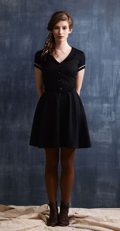 KATIE Navy: Dress with fitted waist, flared skirt, notched collar, belt. Betina Lou Fall-Winter 2013-14.