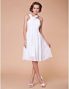 Lanting Bride® A-line Plus Size / Petite Mother of the Bride Dress Knee-length Sleeveless Chiffon with Draping / Flower(s) / Criss Cross