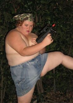 Just For Gags Collections: Bad Family Portraits, Bad Family Photos, Ellen, funny family photos, worst family pics, funny pictures, awkward family photos, wtf, ugly people, stupid people, crazy people, people of walmart Fat girl with machinegun topless militia