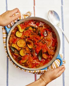 French Dinner Parties, Dinner Party Menu, Ratatouille Recipe, Food To Go, Feeding A Crowd, Vegetable Dishes, Vegetable Recipes, Vegetable Bake, Vegetarian Recipes