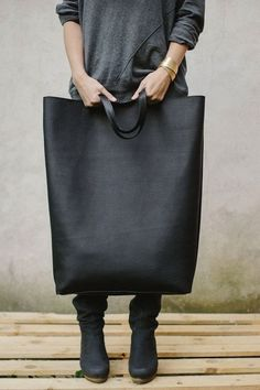 Giant black tote... errrumm... feed bag lol... that's what my brother used to call my large bags back in the 80s LOL