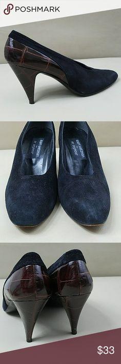 ✴STUART WEITZMAN👀😍 Suede & faux alligator sz 10 AAAA 3.5 heel  *BUNDLE & save with our DISCOUNT* Stuart Weitzman Shoes Heels