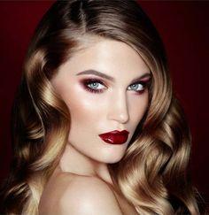 Maquillage yeux bleus d'inspiration rétro