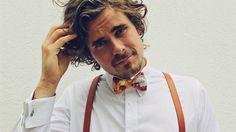 Men's Fashion Bow Tie. #bowtie #bowtieinspiration #fergusandthecat #handcraftedbowtie #mensfashion #fashiononthefields #racesfashion